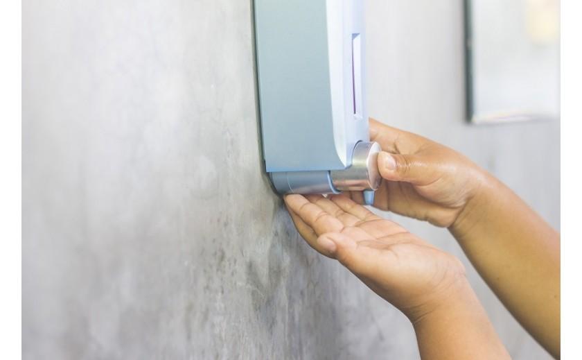 Jakie funkcje pełnią dozowniki na mydło?