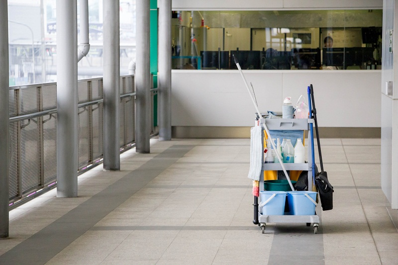 Wybór profesjonalnych środków czystości: jakość, skuteczność, bezpieczeństwo
